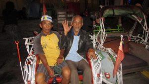 Katamso dan Margono, Pengemudi Becak Motor yang Mangkal Di Depan Ibis Style Hotel Yogyakarta