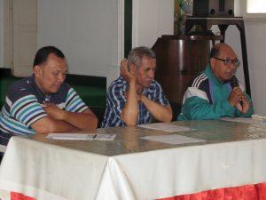 Panitia Lomba Vocal Grup Persekutuan Kaum Pria Gereja Kristen Se Surabaya saat menjelaskan tentang perlombaan tersebut