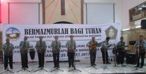 Penampilan Peserta lomba Vokal Grup Kaum Bapak Gereja Kristen se-Surabaya dari GPIB Galilea Surabaya