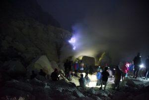 blue fire Kawah Gunung Ijen