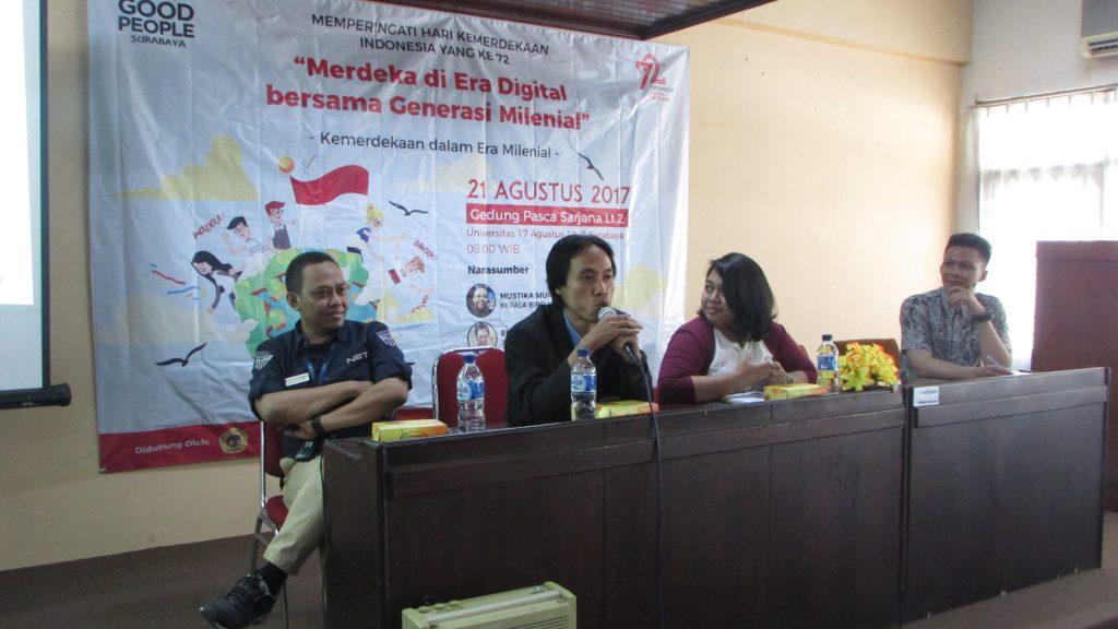 Para Pembicara dan Moderator Seminar yang bertema Merdeka di Era Digital Bersama Generasi Millennial pada hari Senin (21/8/2017) di Gedung Pascasarjana Universitas 17 Agustus 1945 Surabaya