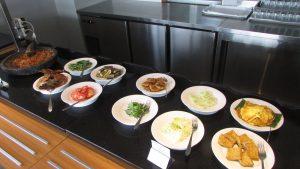 Sajian Buffet di Restoran Hotel Primebiz Surabaya