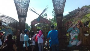 Pintu Masuk Lokasi Wisata Taman Kelinci Batu Jawa Timur