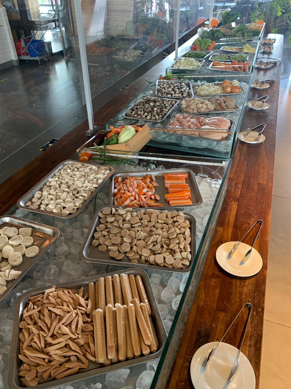 Mongolian Street Food All You Can Eat yang disajikan kepada tamu restoran Wok 'n 'tok Restaurant, Hotel Yello Jemursari Surabaya