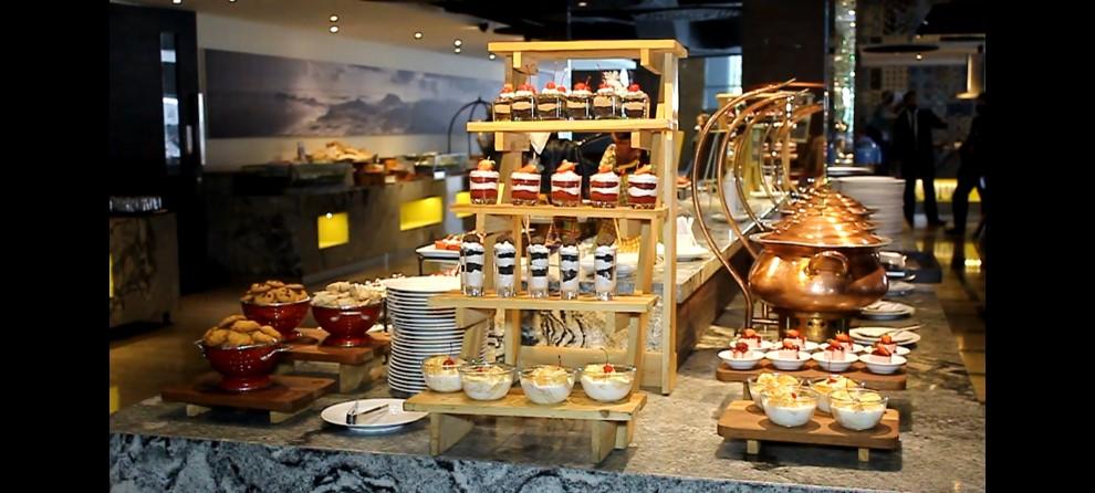 Aneka Dessert dan takjil Ramadhan yang terdapat di Hotel Luminor Pecenongan